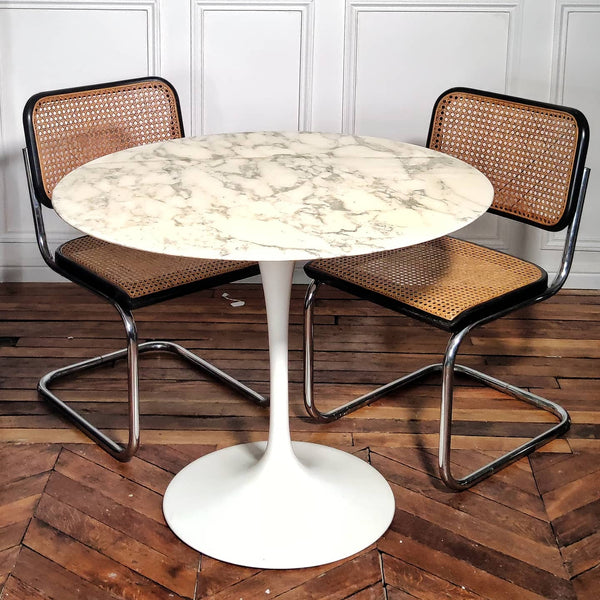 Table tulipe Saarinen pour Knoll 91cm marbre Arabescato