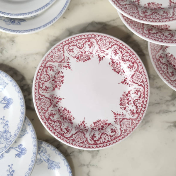 Assiettes plates de Gien rouges