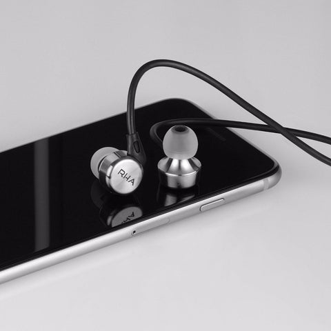 MA750i Noise Isolating High Fidelity Earphones with Microphone & Remote