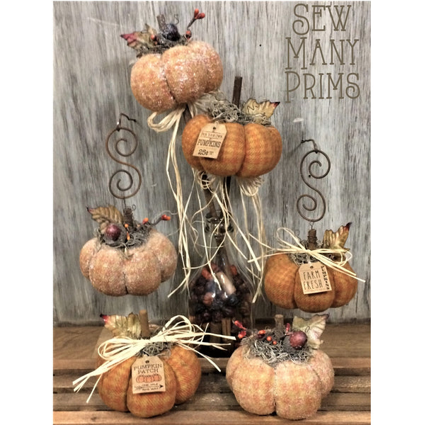 smp-082 Prim Pumpkin Trio Pattern - Sew Many Prims