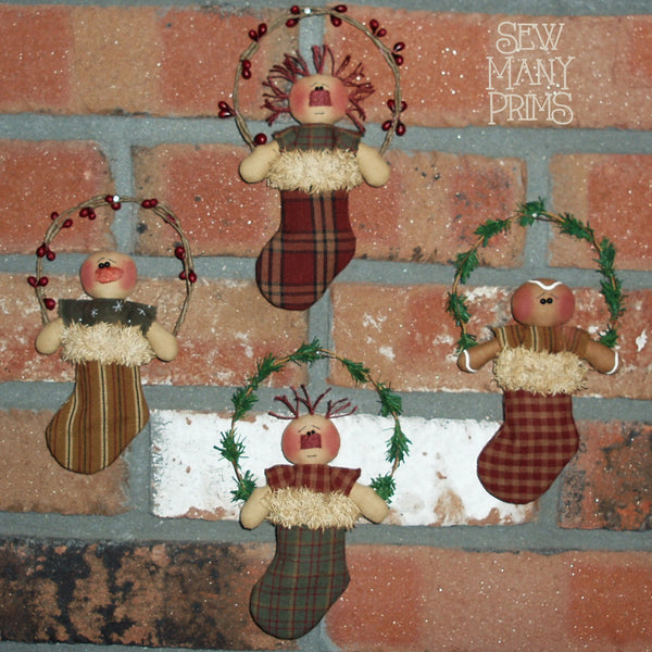 smp-031 Wee Lil' Stocking Stuffers Pattern - Sew Many Prims