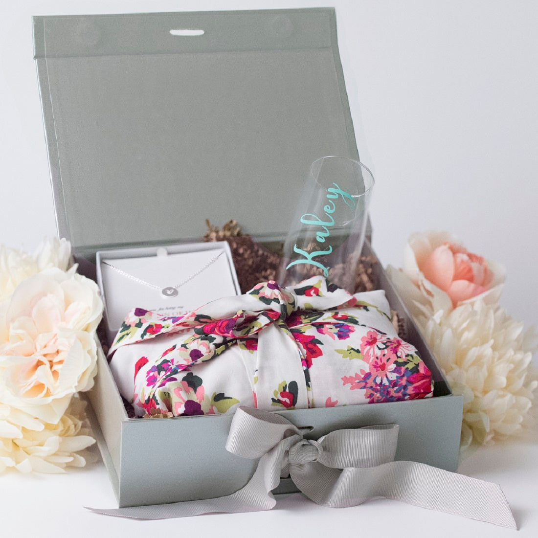Shimmer Dreams Gift Box Personalized Robe Champagne Glass Necklace Bridesmaid Gifts Boutique