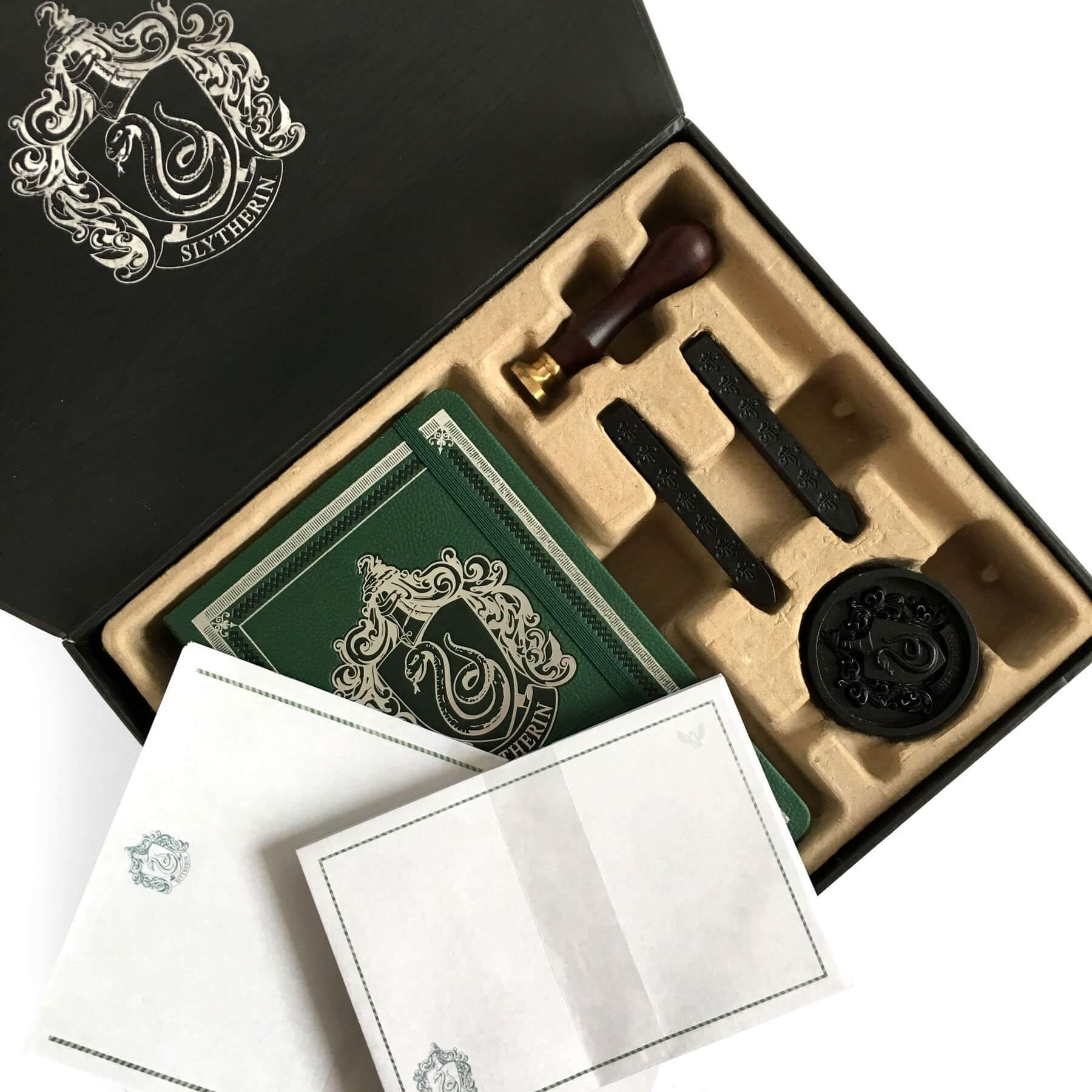 SET DE PAPETERIE DELUXE SERPENTARD - HARRY POTTER - la boutique du sorcier