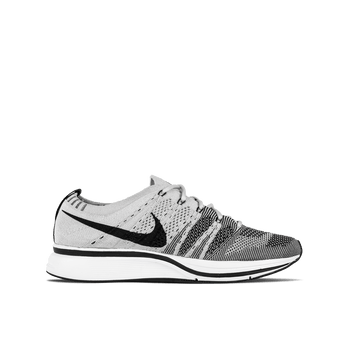 Flyknit Trainer - White/Black