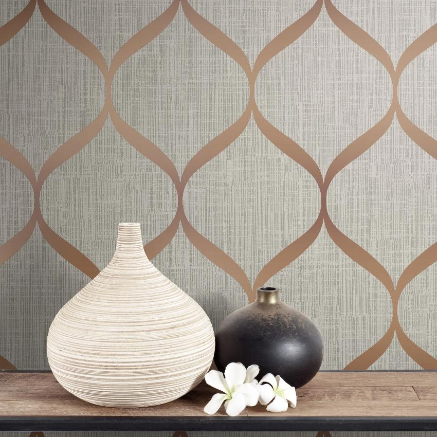 Grey and copper trellis wallpaper in room