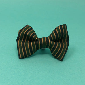 Christmas Stripes Bow Tie - The Woof Warehouse