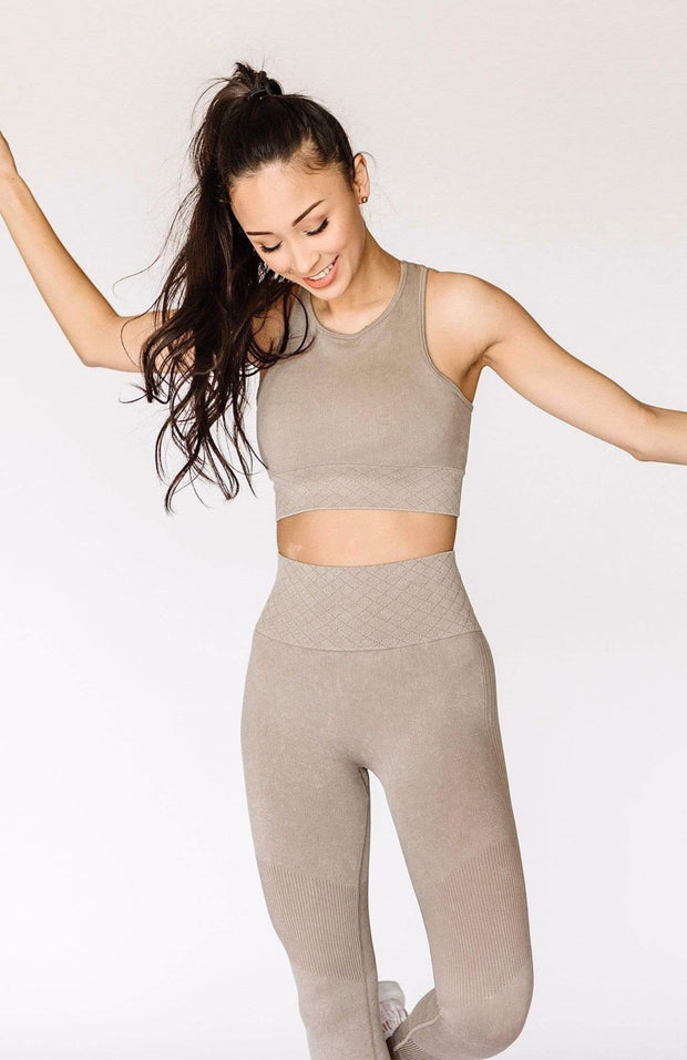 In The Zone Longline Sports Bra / Taupe