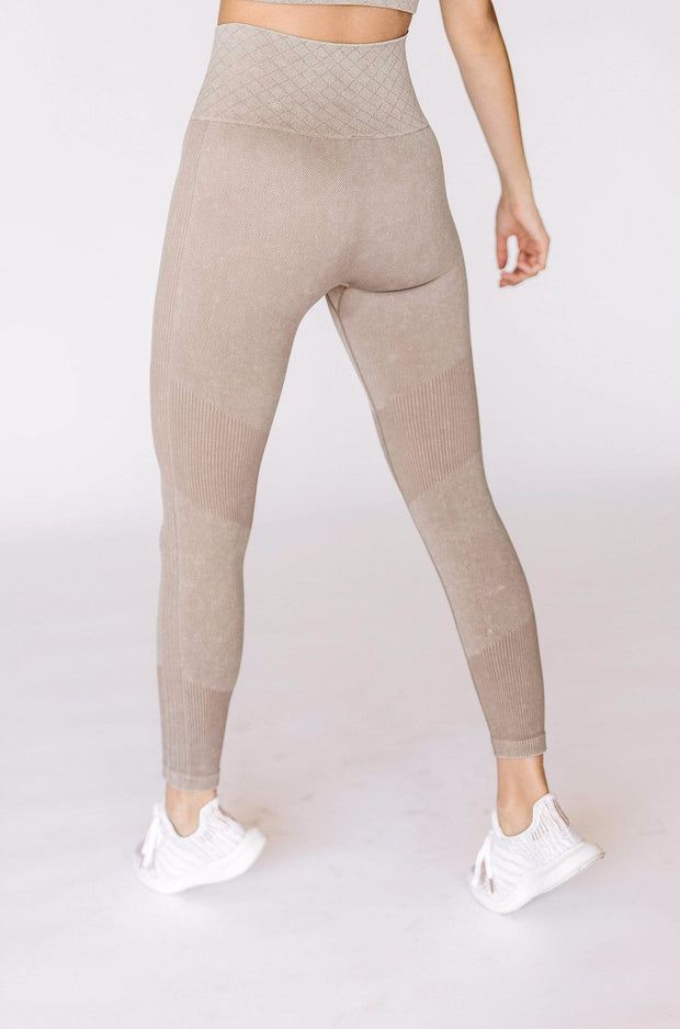 In The Zone Legging / Taupe
