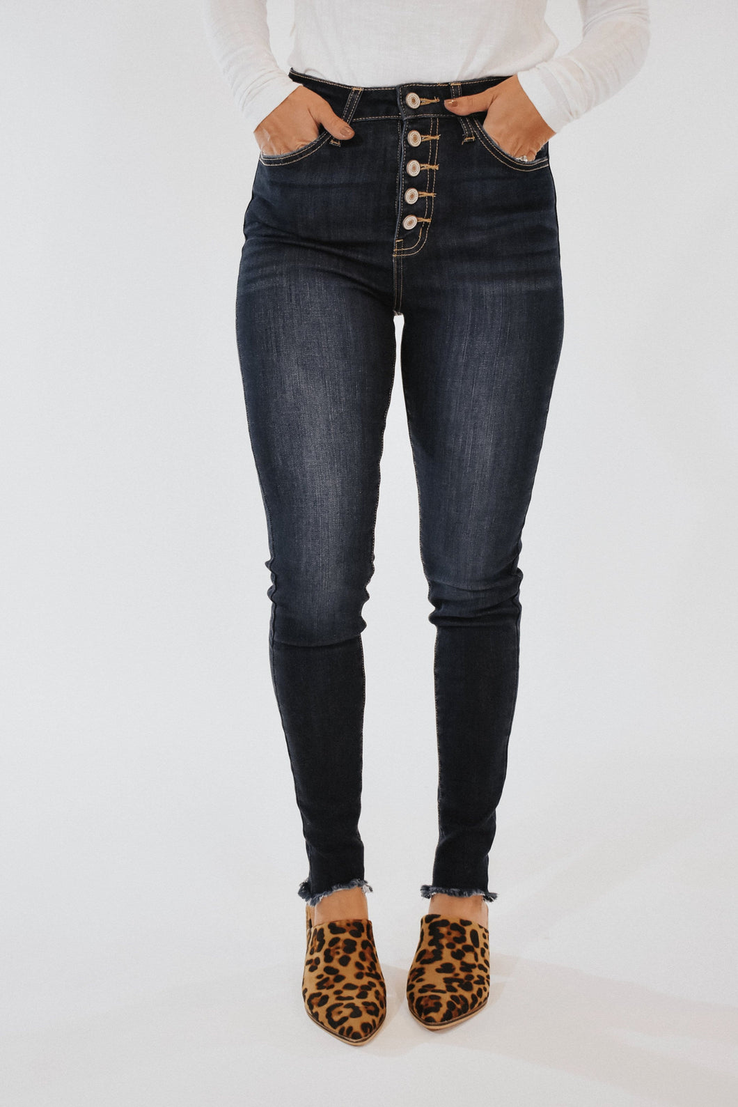 Maxwell Jeans in Medium Dark Wash