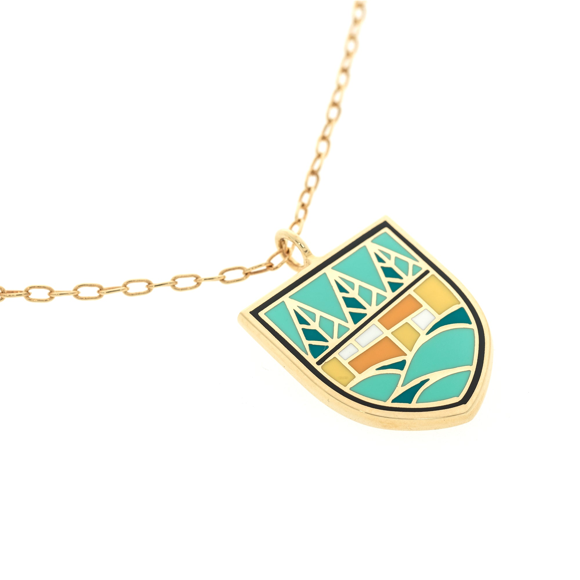 Camp Chain Necklace in Polished Gold