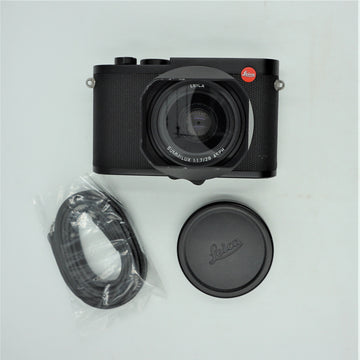 Leica Q2 Digital Camera (Black) **OPEN BOX**