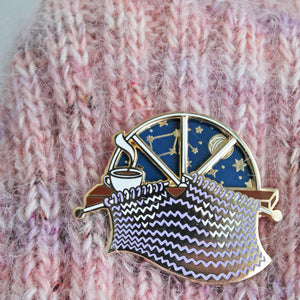*Knitting 'Day and Night' Spinner Enamel Pin *Seconds