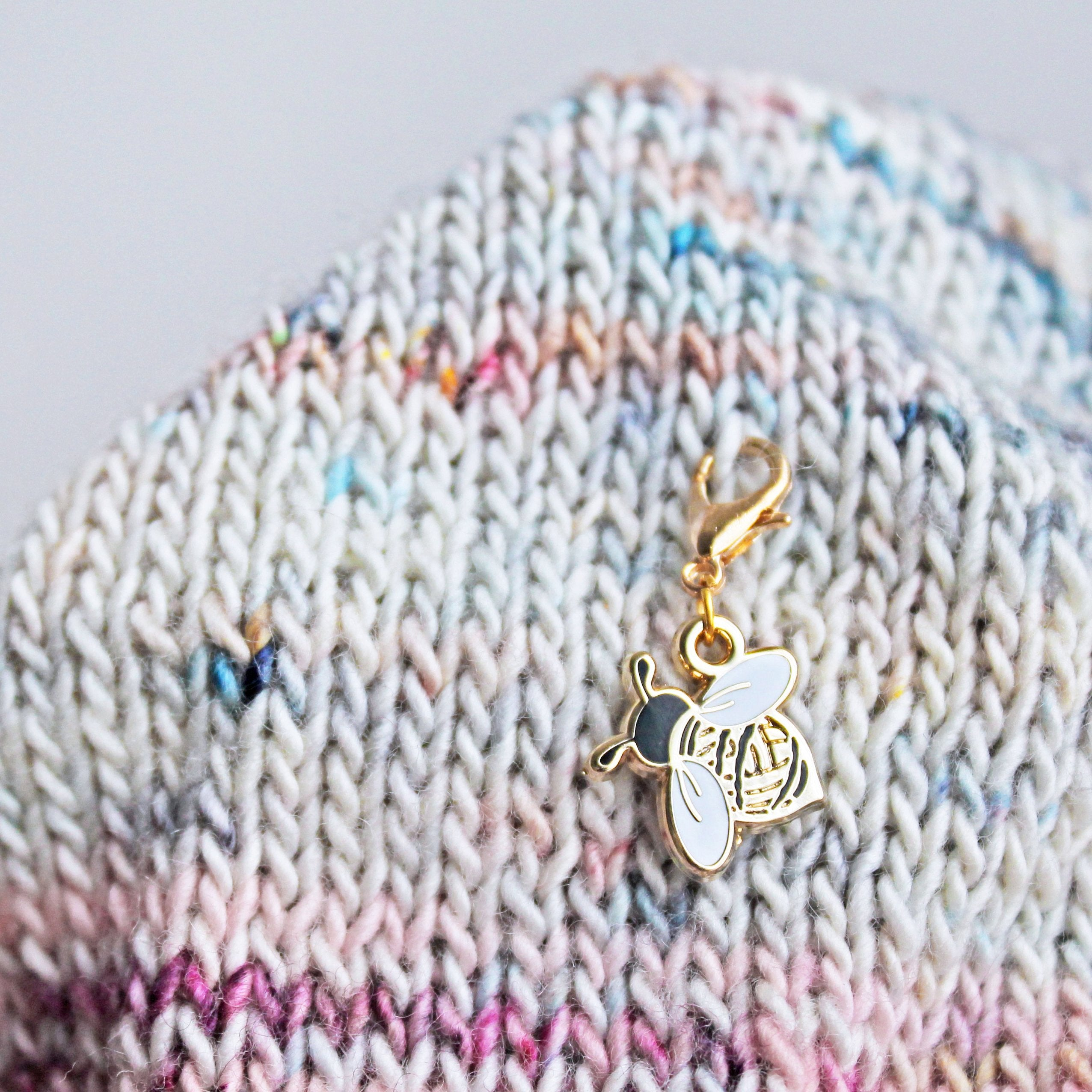 Woolly Bee Keeper / Stitch Marker