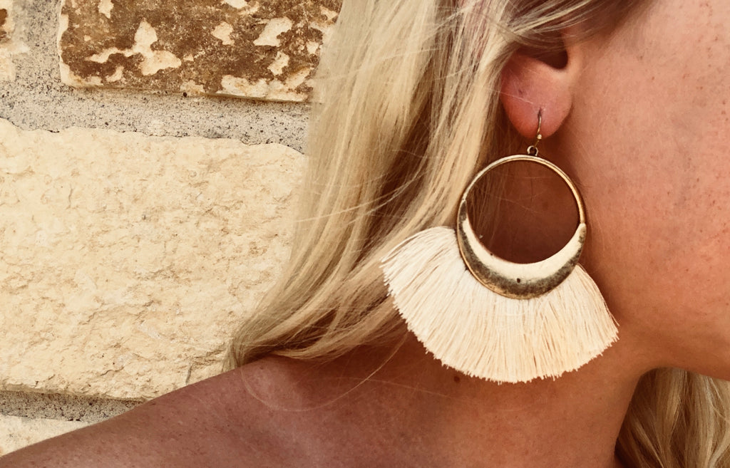 The Remi Earrings - Natural Ivory