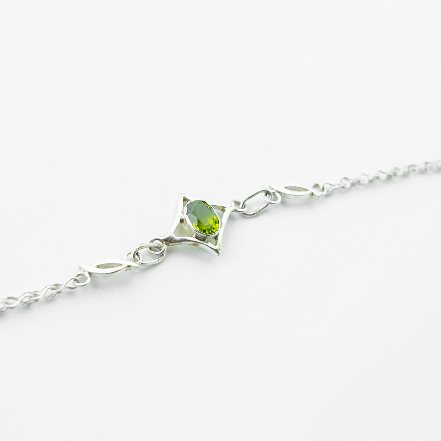 north star peridot healing gemstone bracelet side view
