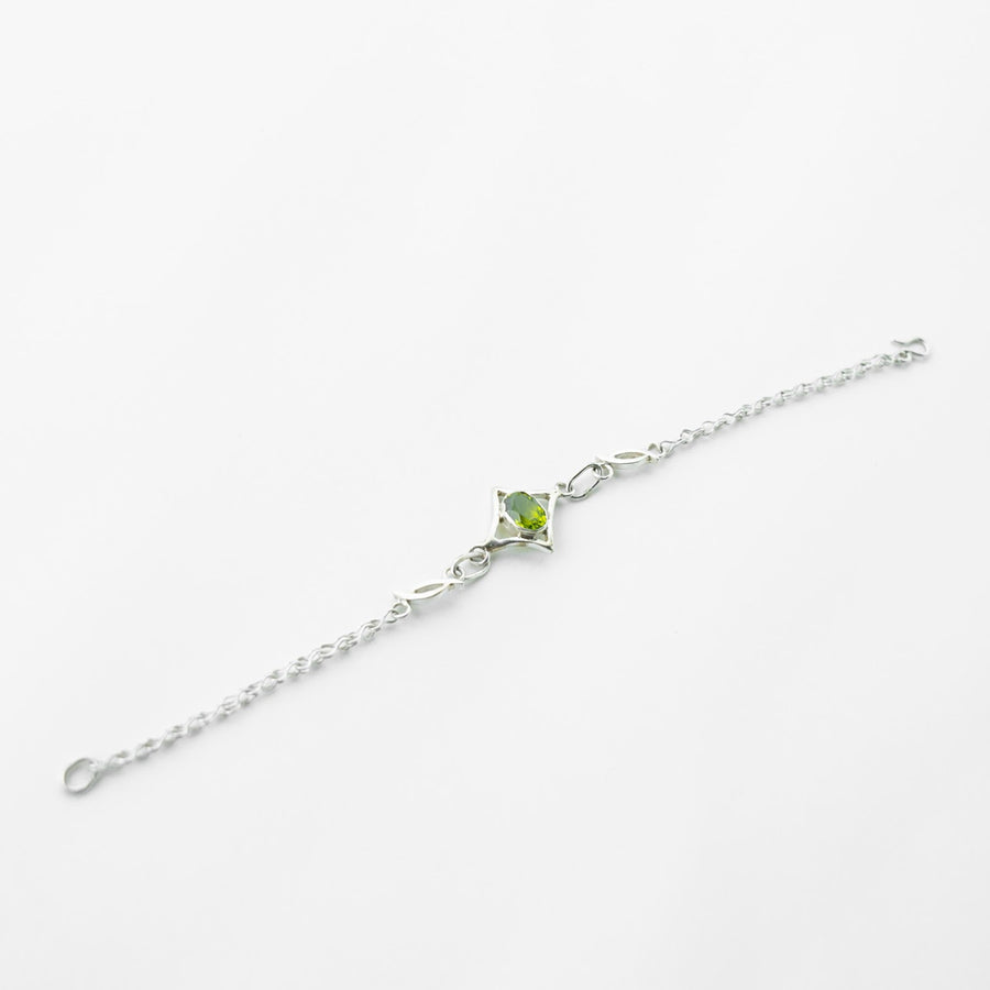 north star peridot healing gemstone bracelet top view
