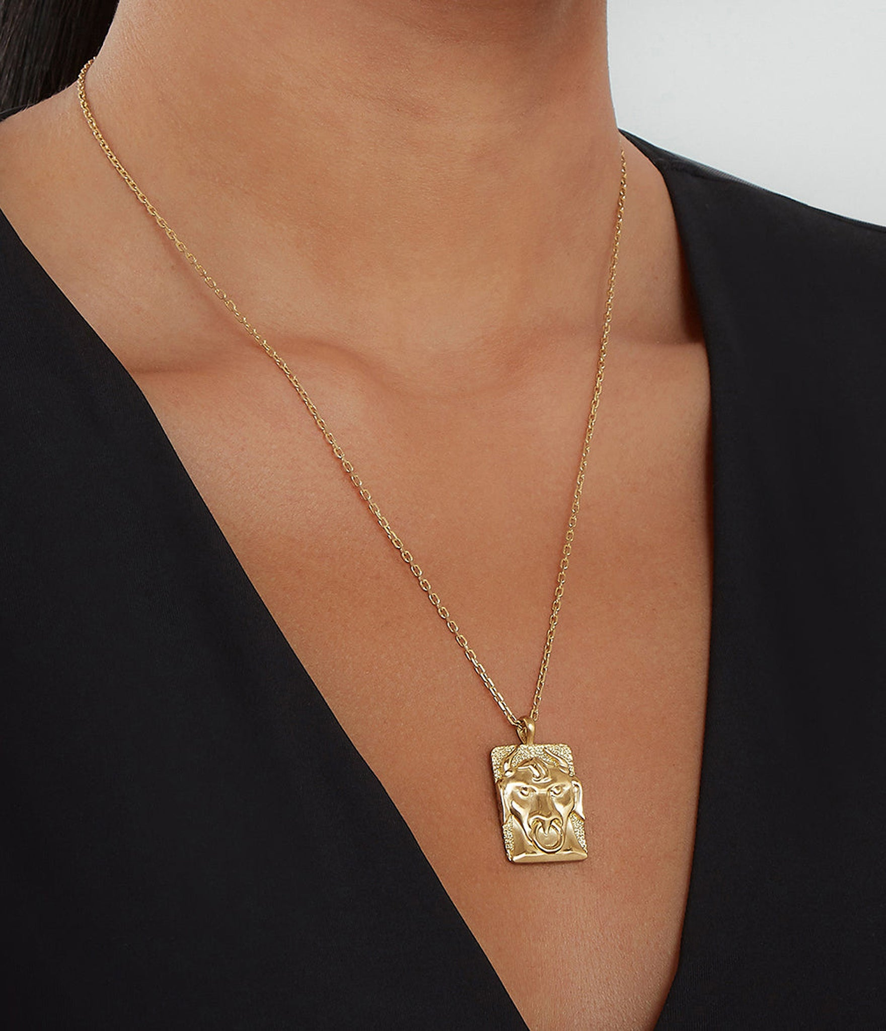 DavidWebb_Zodiac_Necklace_Taurus_1