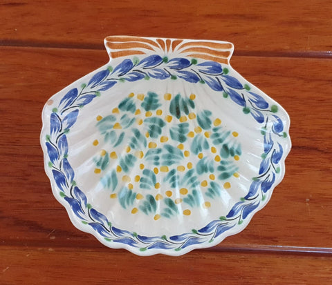 mexican pottery shell dish BY gorky guanajuato hand craft