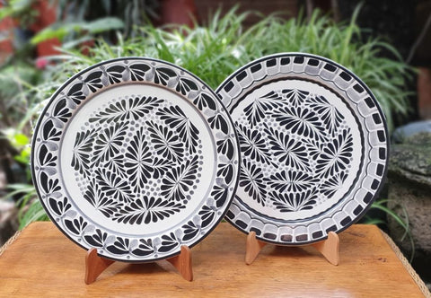 mexican-plates-black--and-white-flower-design-mayolica-gorky