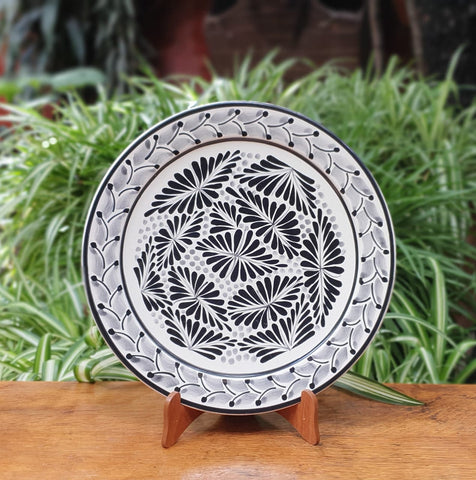 Black Forest III-Plates-Ceramics-Handmade-Hand Painted-Mexican Pottery-Gorky Pottery-Tradicional-Decoration-Kitchen-Table Top-Table Settings-Tebale Set UP-Eat Different-Cooking with Style-Mexican Table-Cook Different