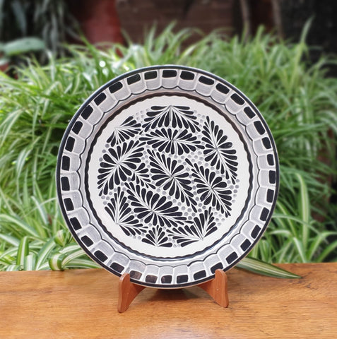 Black Forest IV-Plates-Ceramics-Handmade-Hand Painted-Mexican Pottery-Gorky Pottery-Tradicional-Decoration-Kitchen-Table Top-Table Settings-Tebale Set UP-Eat Different-Cooking with Style-Mexican Table-Cook Different