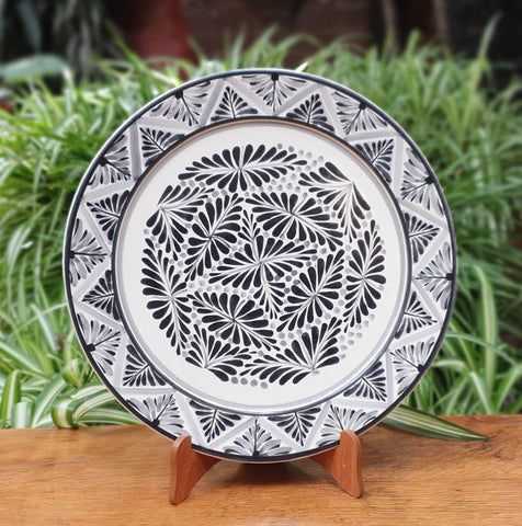 Black Forest VII-Plates-Ceramics-Handmade-Hand Painted-Mexican Pottery-Gorky Pottery-Tradicional-Decoration-Kitchen-Table Top-Table Settings-Tebale Set UP-Eat Different-Cooking with Style-Mexican Table-Cook Different