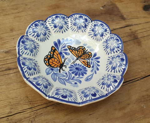 Butterflies-bolw-chips-snack-dish-bowl-plates-ceramic-hand-painted-Mexican-Pottery-Ceramics-Handmade- Hand Painted- Gorky Pottery-Easter-Easter Rabbit-Easter Egg-Pascua-Conejo-Traditions-Table set ups