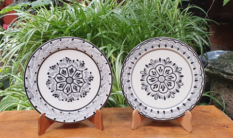 Flower Plates-Set-Cooking-Ceramics-Handmade-Hand Painted-Mexican Pottery-Gorky Pottery-Tradicional-Decoration-Kitchen-Table Top- Table Settings- Tebale Set UP- Eat Different-Cooking with Style-Mexican Table-Cook Different