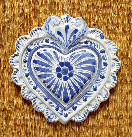 mexican-ceramic-handcrafts-blue-talavera