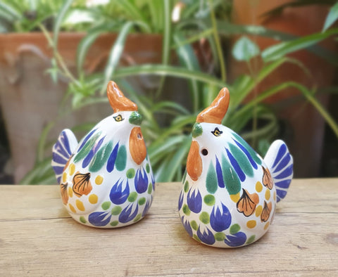 mexican-ceramic-Rooster-farm animals-farm-decorative-salt-and-pepper-shaker-table top-hand painted-hand crafted-kitchen-eat different