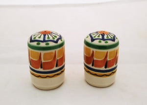 Small Cilindrical Salt and Pepper Shaker Set Green Colors