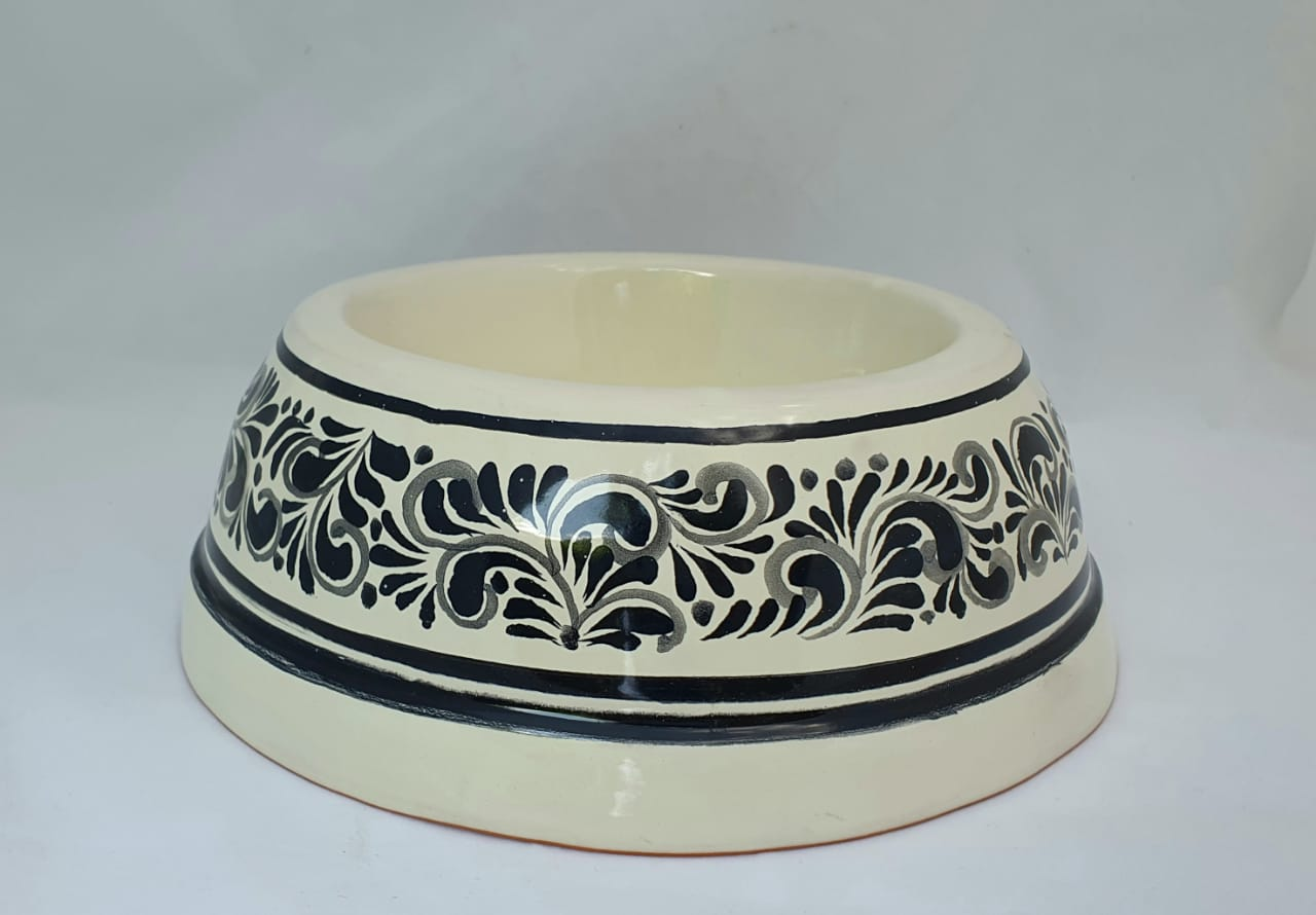 Dog Bowl Black and White