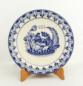 "Hen Salad Plate 8.7"" D Blue and White"