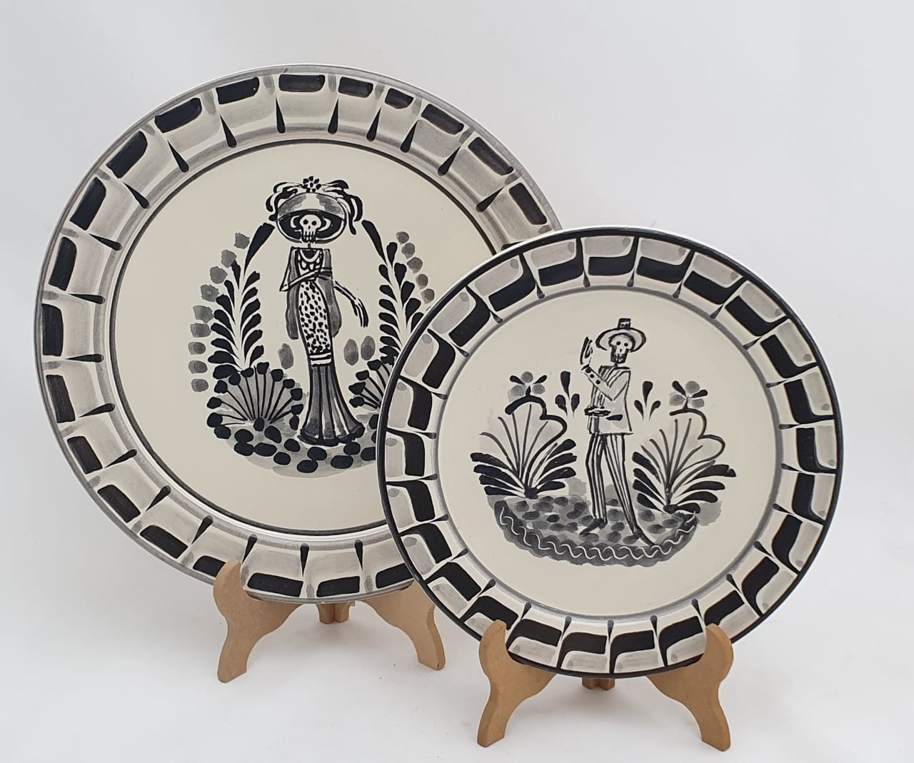 Catrina & Catrin Dinner and Salad Plate Set of 2 pieces Black and White - Mexican Pottery by Gorky Gonzalez