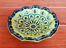 "Flower Footed Snack Dish 7"" D Green Contemporary"