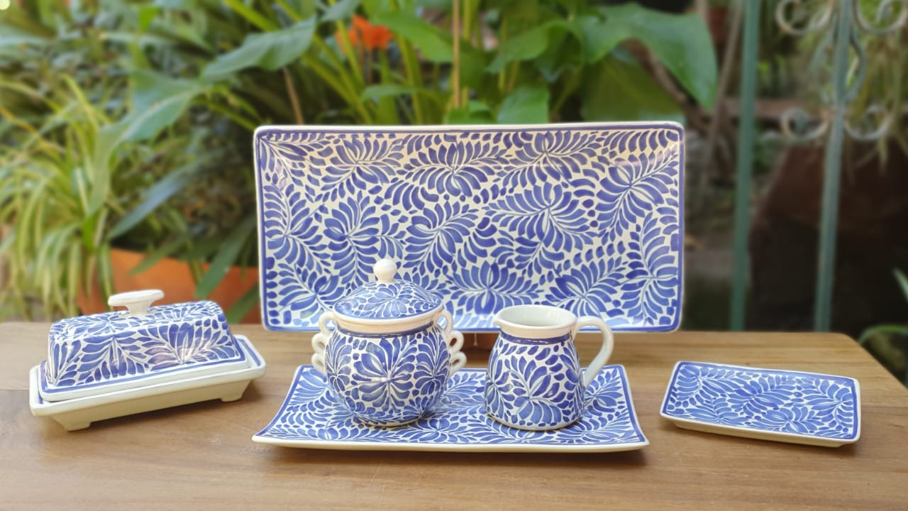 Table Top Set Milestones pattern (6 pieces) Blue and White
