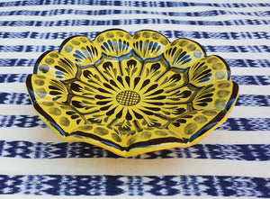 "Flower Footed Snack Dish 7"" D Choose Your Favorite Contemporary Color"