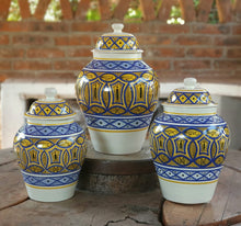 Decorative Vase w/Lid Set of 3 pieces (11, 13, 15 in H) Morisco Pattern Multi-colors