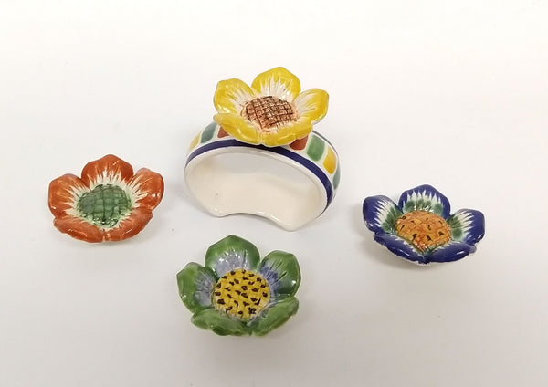 Set of 4 Clasic Napking Ring + 4 Margarita Flower figure (Just Pre orders)