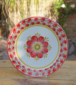 "Flower Dinner Plate 10"" D Red and White"