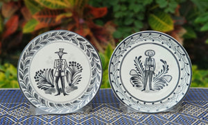 "Catrina Bread Plate / Tapa Plate 6.3"" D Black and White Set of Los Compadres (2 pieces)"