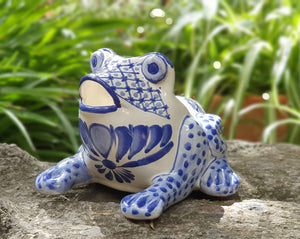 "Frog Shape 6.7"" W x 5.9"" H Flower Pot Blue and White"