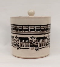 "Small CeramicBox 6.7 "" H Black and White"