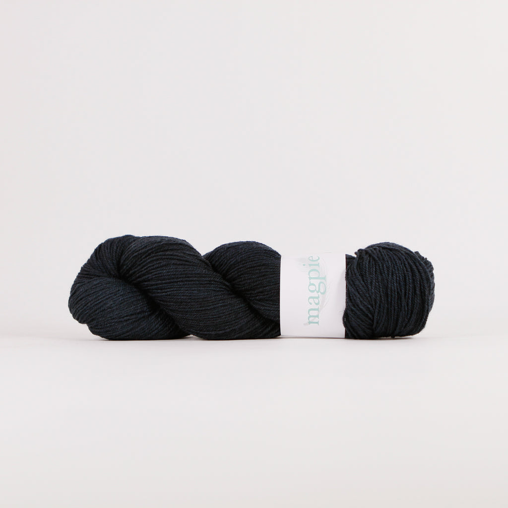 Nest Sport from Magpie Fibers