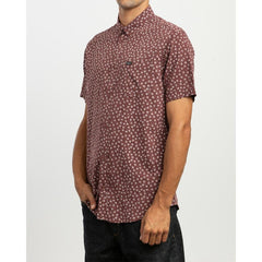 RVCA FICUS FLORAL SS SIDE VIEW MENS BUTTON UP SHORT SLEEVE SHIRTS MAROON