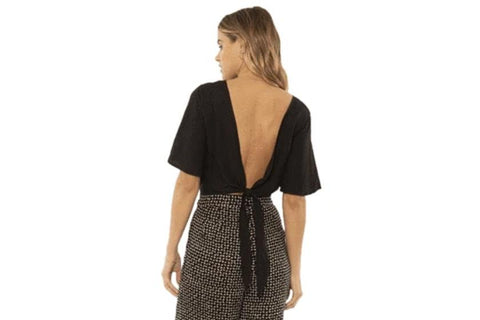 AMUSE,BRIE,S/S WOVEN TOP,BLACK,BACK VIEW