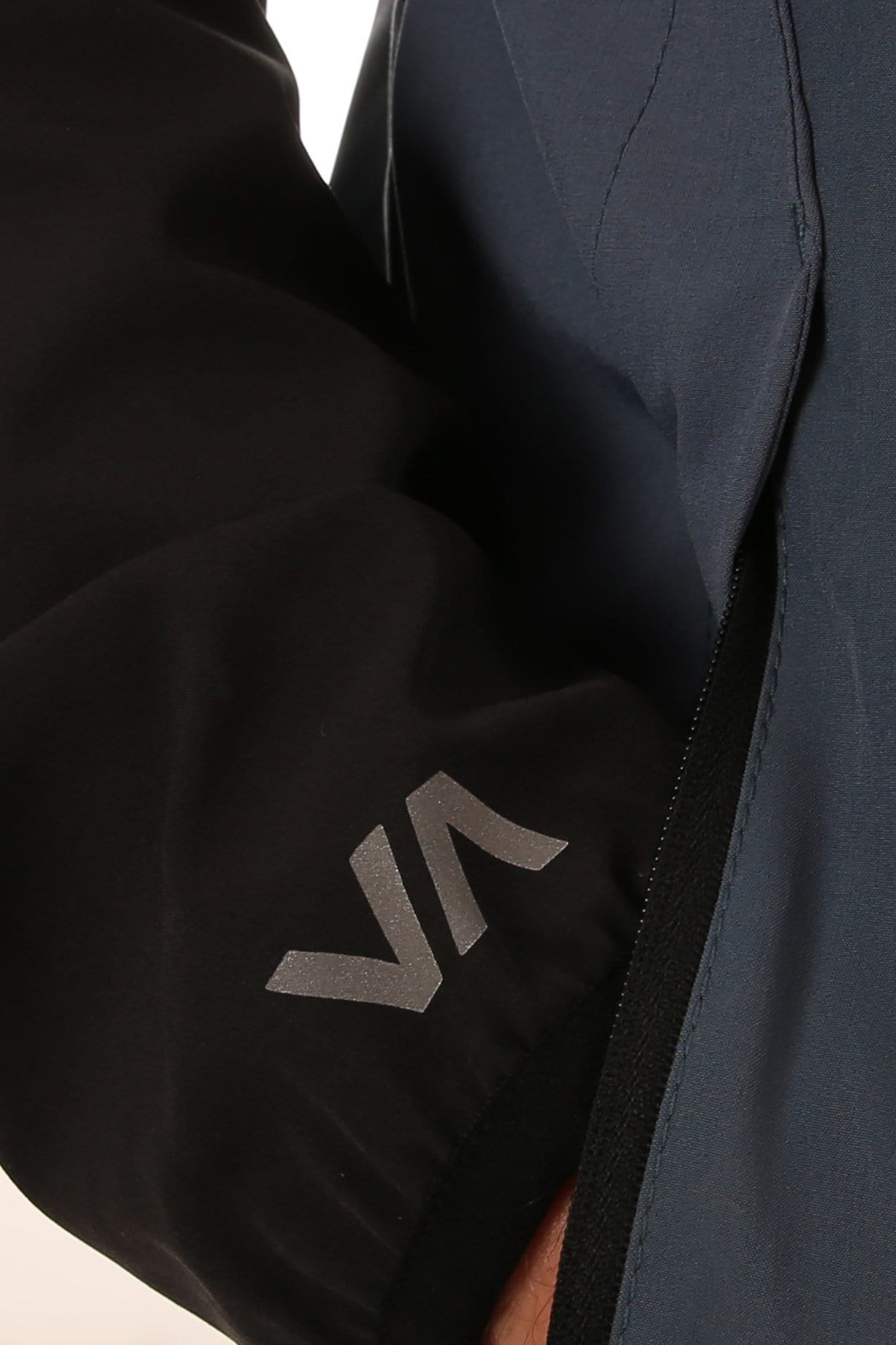 VA Blocked Windbreaker China Blue