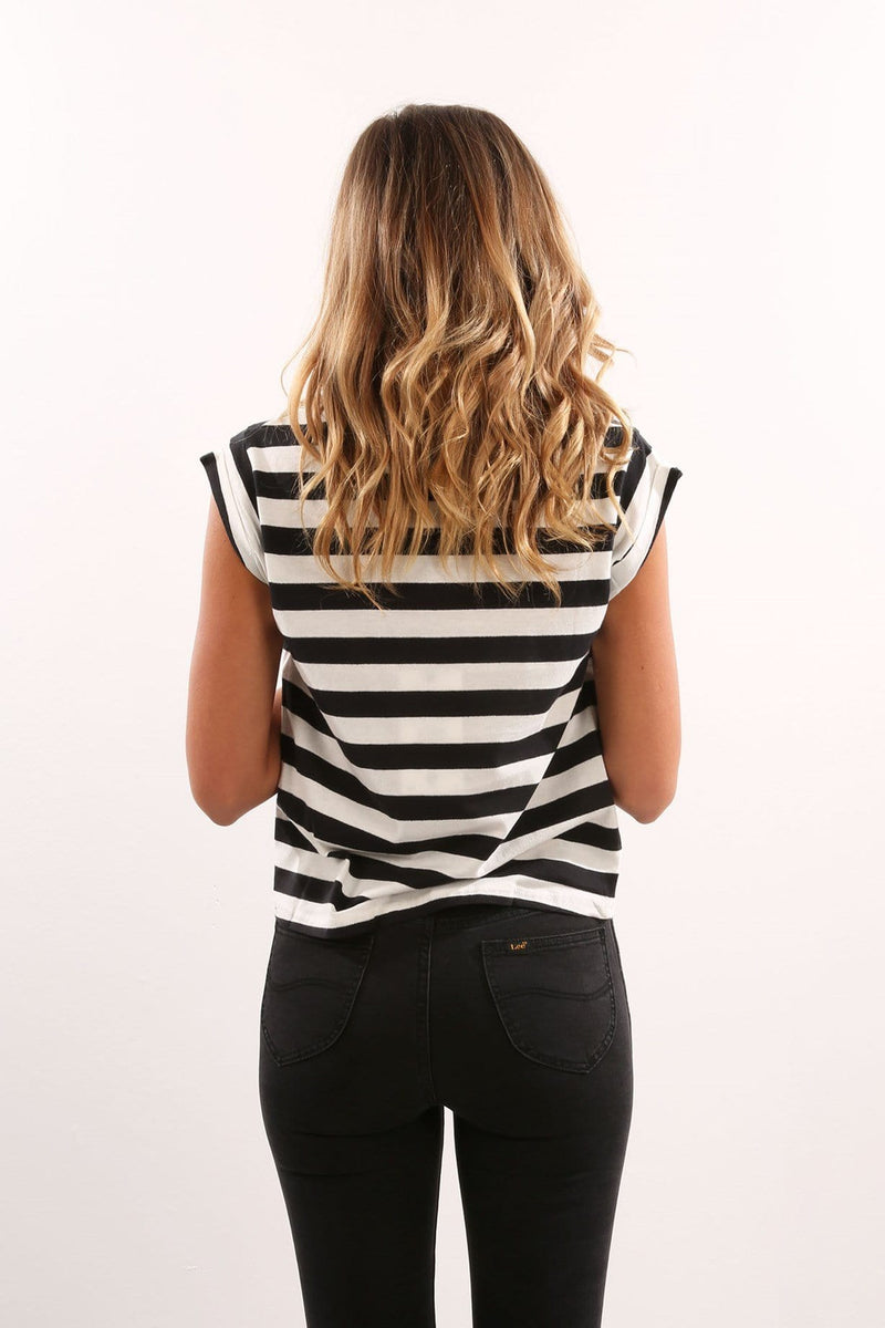 Count Out No Brainer Tee Black Stripe Lee - Jean Jail