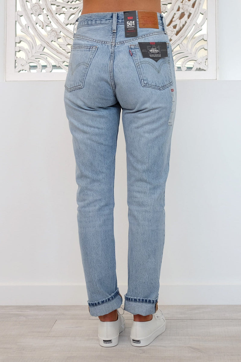 501 Original Fit Women's Jeans : Blue cotton blend 501 original fit denim jeans from levi's featuring a five pocket design, a button & zip fastening, a waistband with belt loops, a stonewashed effect, a leather brand patch to the rear and a straight fit.