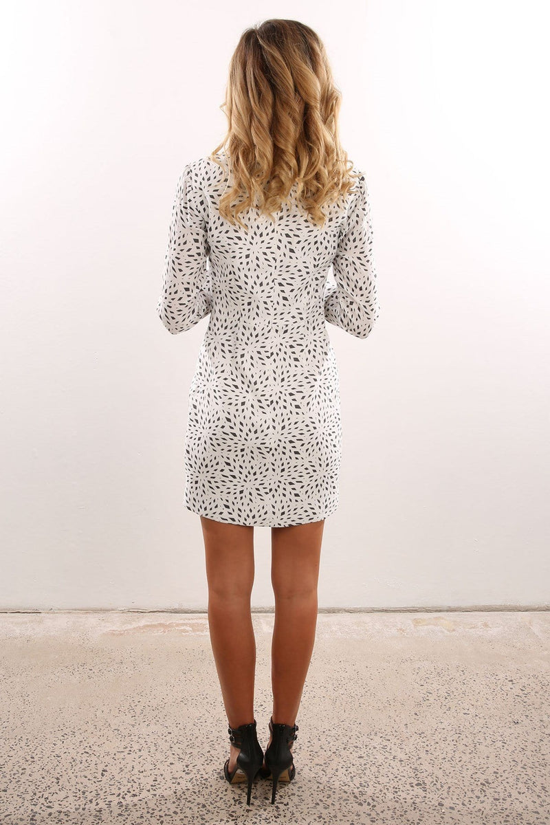 Long sleeve Fractal Print Mini Dress White Black Isla - Jean Jail